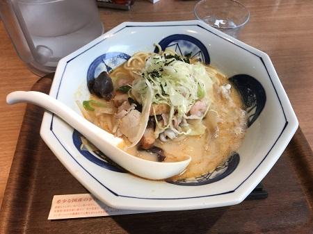 RINGER HUT 新橋駅前店|ヤッホー隊長(関 武徳)のらーめんメモ