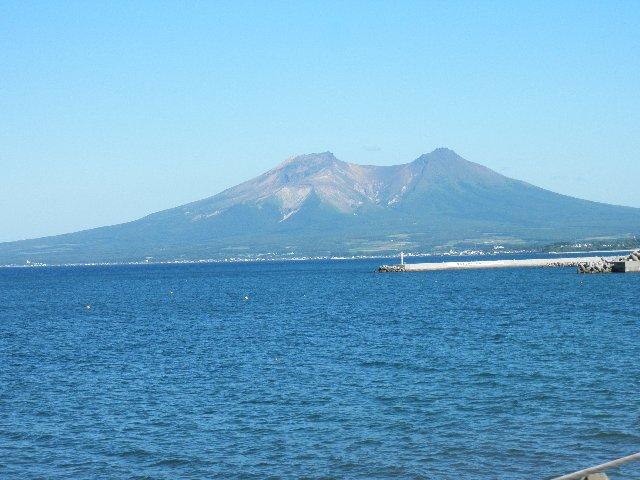 8月12日 長万部辺りから駒ケ岳を望む